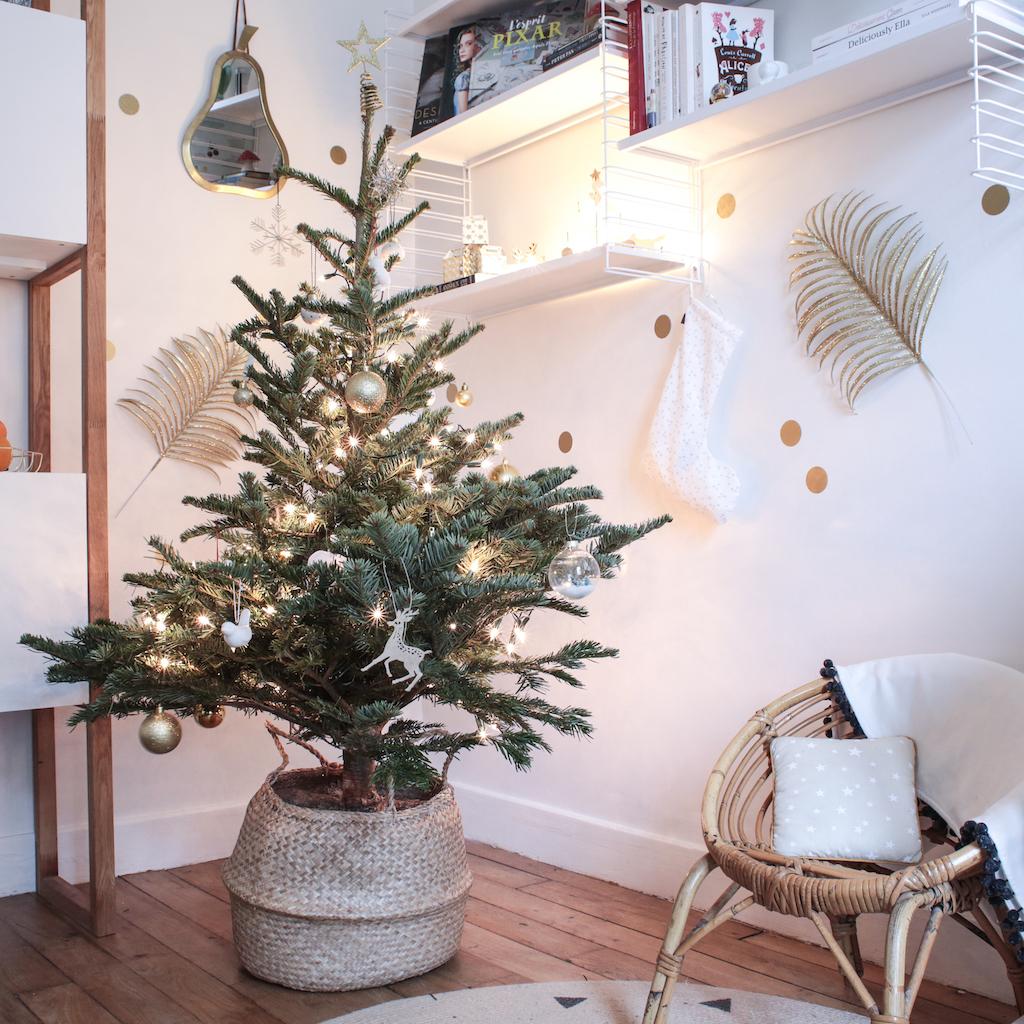 la d coration du sapin de no l 2017 petit champignon de paris. Black Bedroom Furniture Sets. Home Design Ideas